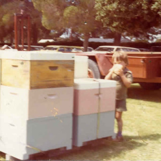 Lindsay at Apimondia field day, 1978